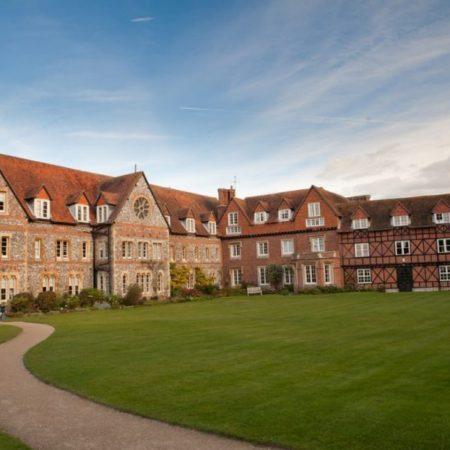 Tabara vara limba engleza in Anglia – Bradfield College