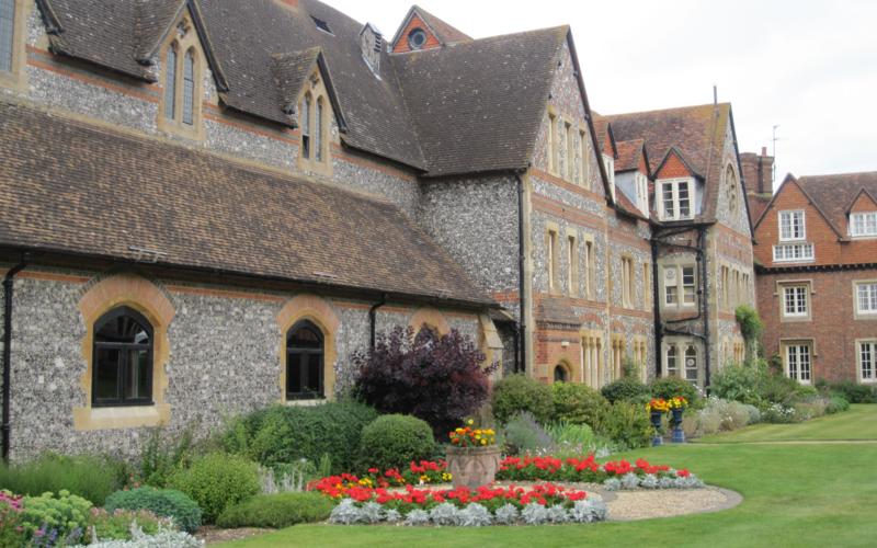 Tabara vara limba engleza in Anglia – Bradfield College, Reading